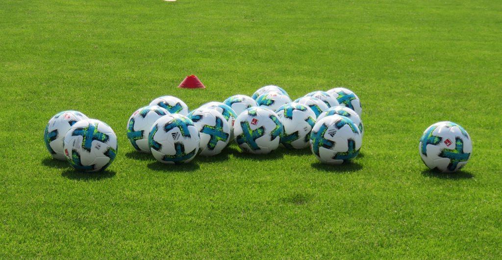 Soccer balls private lessons coach skills training best trainer US footballs futbol