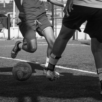 Why steps between touches in soccer are important