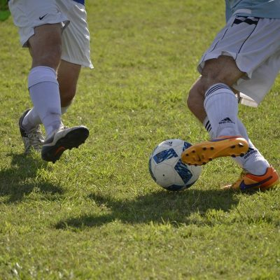 7 tips on defensive stance and positioning in soccer