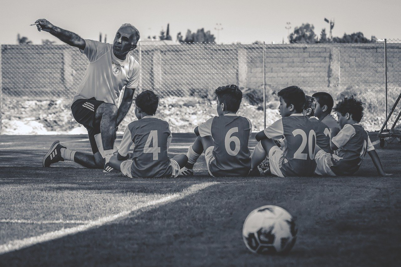 4-4-2 formation soccer football tactics coaching