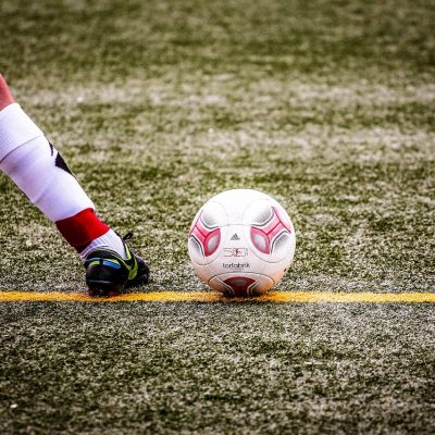 How to improve your weak foot [shooting and passing]